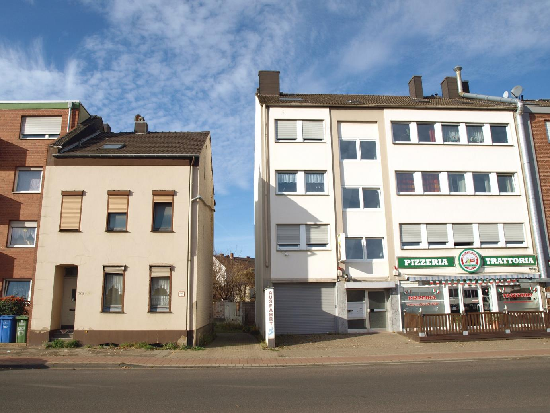 ***Rendite-Gigant (7,41 %) Wohn- und Geschäftshaus mit gesichertem Mietertrag + Baugrundstück***
