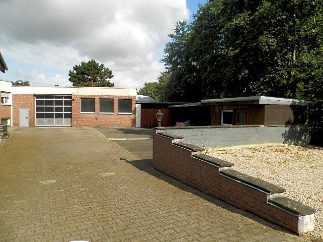 Gewerbeimmobilie bestehend aus:  2 Hallen mit Lager, Büro und Freifläche in Bedburg