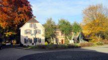 Rarität: Stilvolles Gebäudeensemble mit historischem Hintergrund – mit Park und altem Baumbestand!