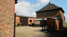 Traditionelle topgepflegte Hofanlage! Wohnhaus, Großgarage und 300m²- Halle mit viel Potenzial!