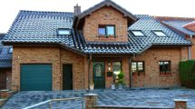 RESERVIERT! Wahrgewordener Wohntraum im Landhausstil – Topgepflegtes Einfamilienhaus für die große Familie!