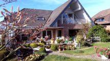 Freistehendes Traumhaus mit stilvollen Extras und idyllischer Gartenanlage für Ihr Familienglück!