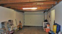 Garage mit Sektionaltor